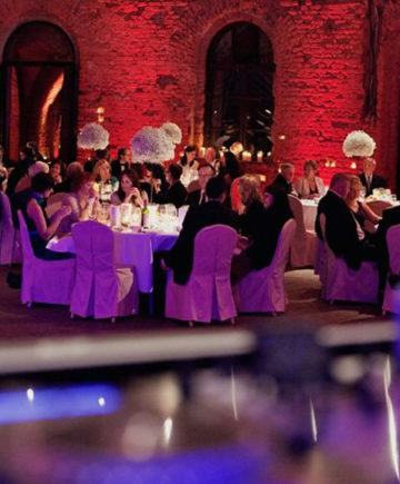 gala-event-people-tables